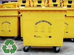 Contenedores para reciclaje de envases de plástico