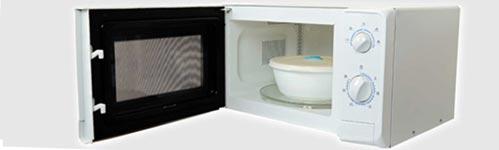 Tupper o Tartera de plástico en el microondas